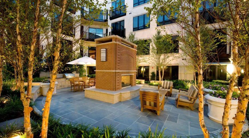 domain-courtyard